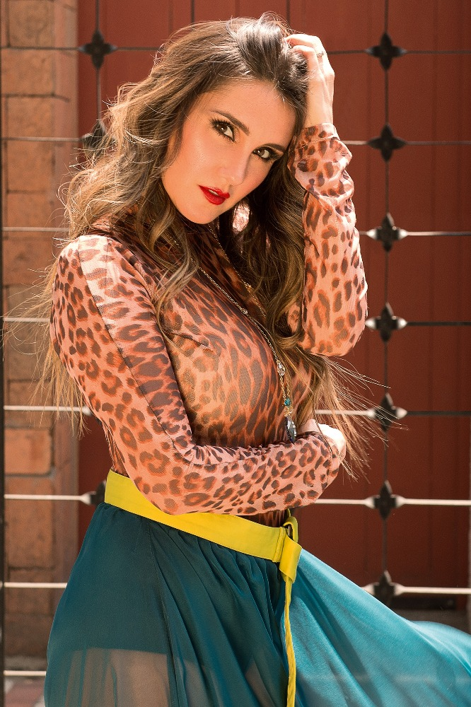 Fotógrafo @mariomacin | Beauty @hugoq.makeup | Stylist @_dimemanolo  Produccion: Ariel Quirino