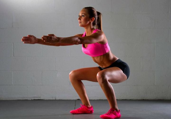 Prueba esta rutina corta para piernas y glúteos en la cuarentena | Mujer