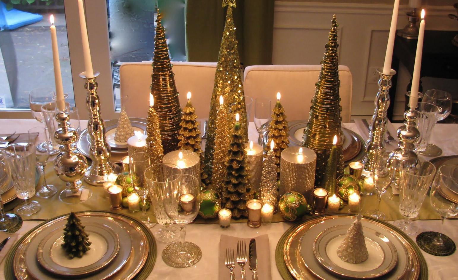 Una mesa bien puesta mujer - Centro de navidad con velas ...