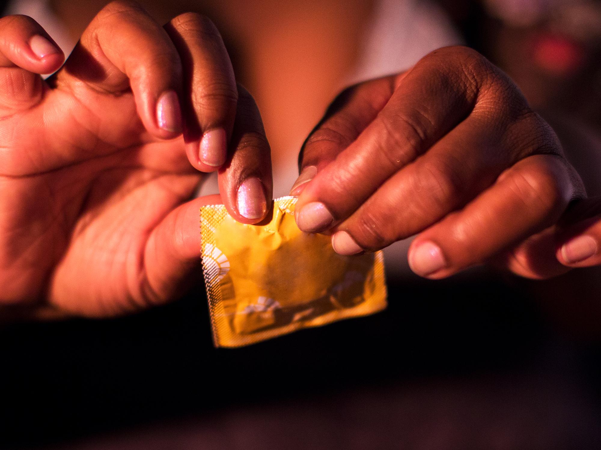 legítimo intercambio de parejas condón